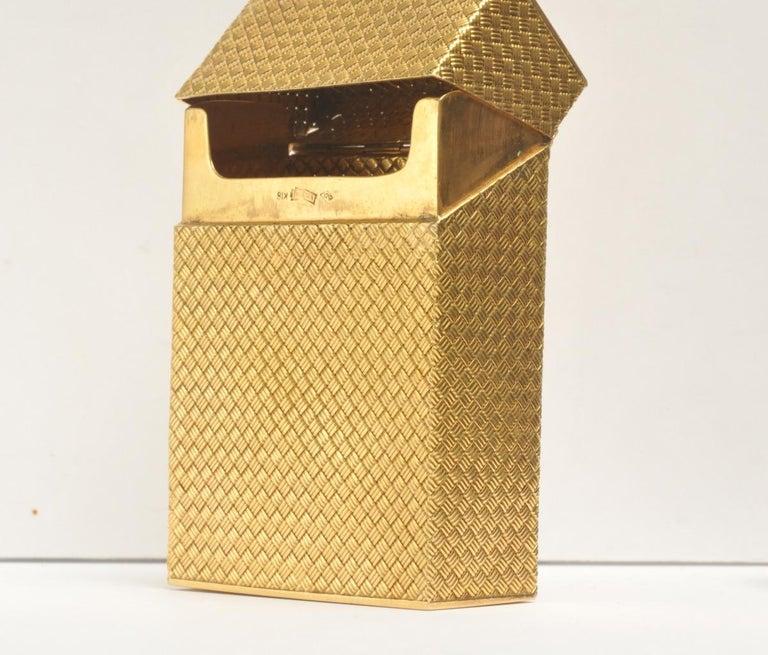 Women's or Men's Solid 18 Karat Gold Cigarette Box For Sale