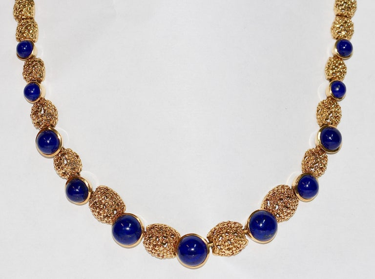 Solid 18 Karat Gold necklace with lapis lazuli.  We also offer the matching bracelet. Look in our other articles.