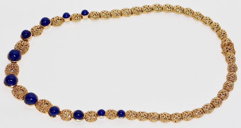Women's Solid 18 Karat Gold Necklace with Lapis Lazuli For Sale