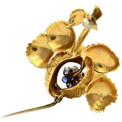 Solid 18 Karat Yellow Gold Genuine Sapphire Flower Brooch/ Pin 13.9 Grams