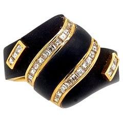 Solid 18 Karat Yellow Gold Genuine Diamond and Black Onyx Ring 6.3g