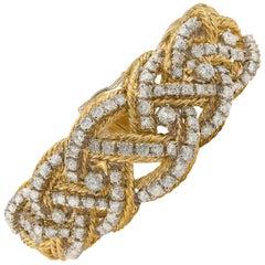 Solid 1960s 18 Karat Gold Diamond 4.50 Carat Bracelet