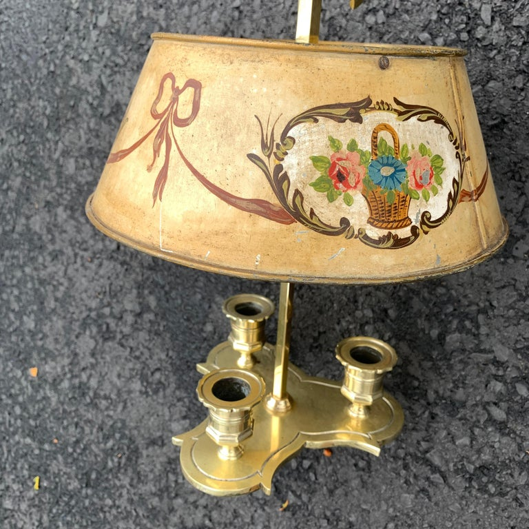 Solid Brass Bouillotte Lamp with Heart Decorated Lever In Good Condition For Sale In Haddonfield, NJ
