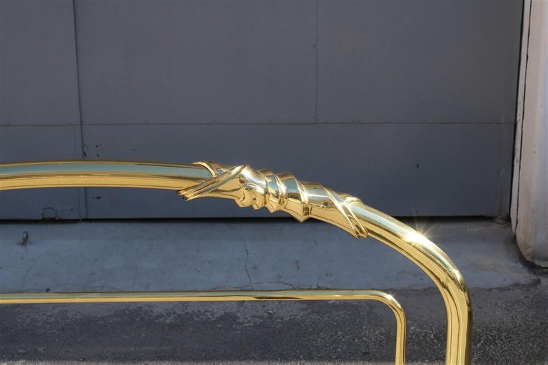 Solid Brass Curved Bed Italian Design 1970s Lipparini Made in Italy Gold For Sale 6