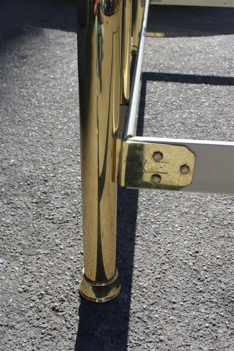 Solid Brass Curved Bed Italian Design 1970s Lipparini Made in Italy Gold For Sale 2