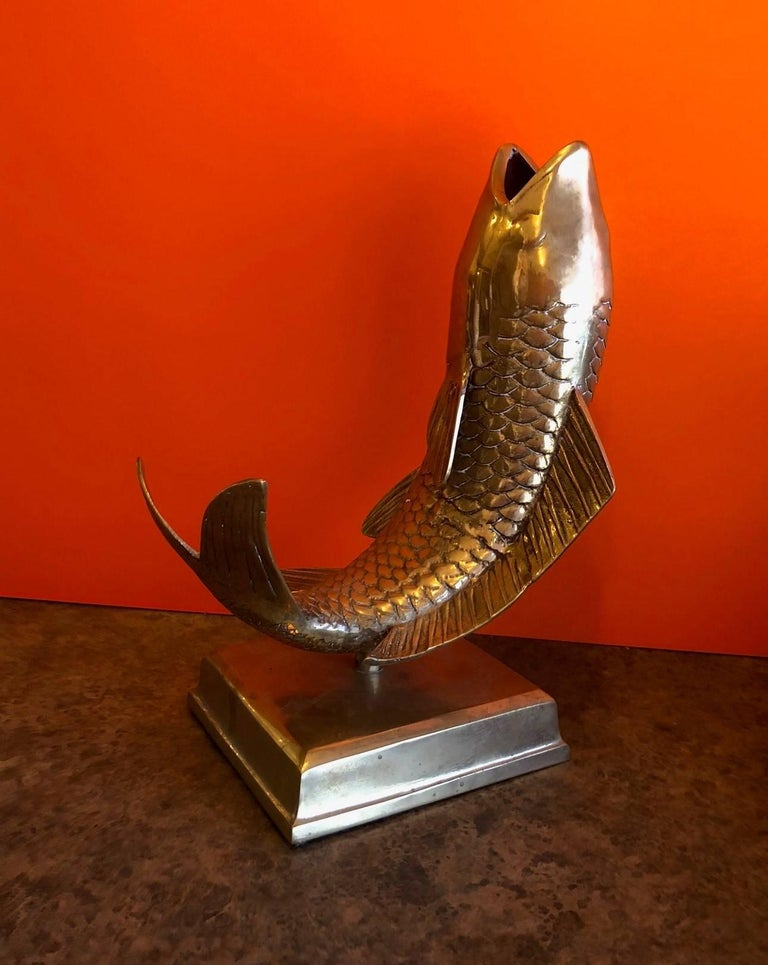 Impressive solid brass koi fish on base sculpture or vase, circa 1950s. Very good vintage condition with a nice patina. Base measures 9
