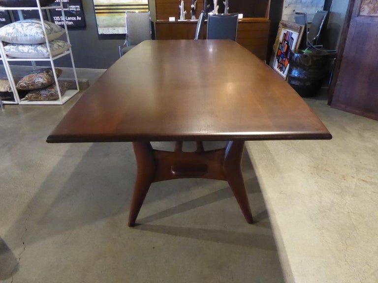 Mid-Century Modern Solid Mahogany Dining Table Attributed to Monteverdi-Young, circa 1950s For Sale