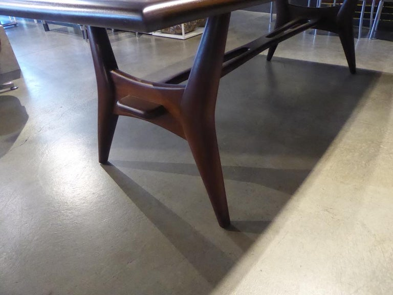 Mid-20th Century Solid Mahogany Dining Table Attributed to Monteverdi-Young, circa 1950s For Sale