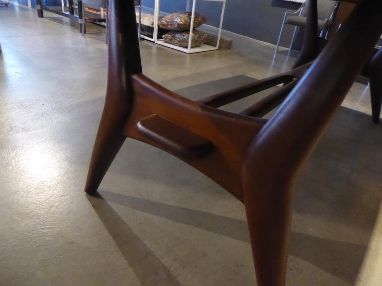 Solid Mahogany Dining Table Attributed to Monteverdi-Young, circa 1950s For Sale 1