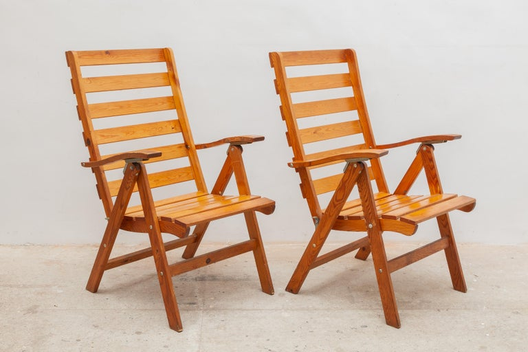 Mid-Century Modern Solid Pine Slat Folding Outdoor Chairs, 1950s For Sale