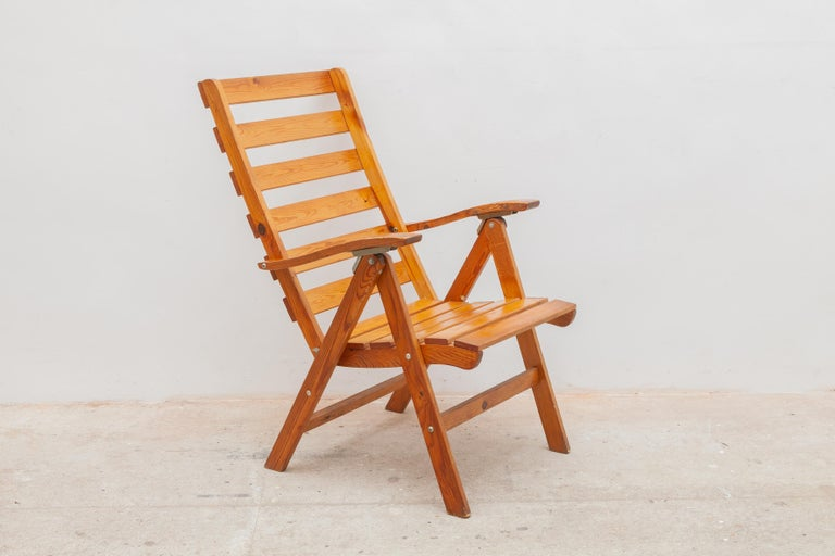 Hand-Crafted Solid Pine Slat Folding Outdoor Chairs, 1950s For Sale