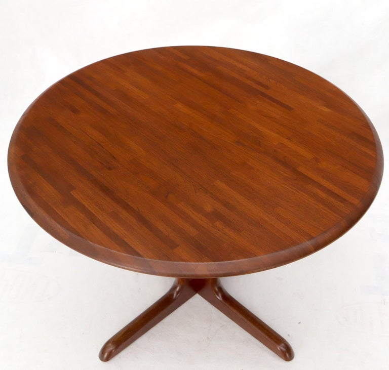 20th Century Solid Teak Danish Mid-Century Modern Round Dining Dinette Table For Sale