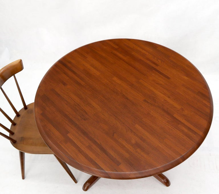 Solid Teak Danish Mid-Century Modern Round Dining Dinette Table For Sale 3
