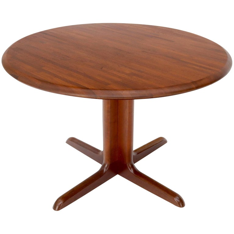 Solid Teak Danish Mid-Century Modern Round Dining Dinette Table For Sale