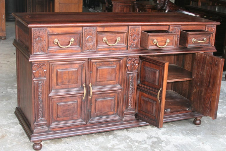 Solid Teak Wood Early 20th Century Superbly Crafted French Colonial Credenza For Sale 4
