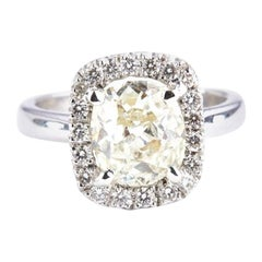 Solitaire 2.35 Carat Cushion Diamond 18 Karat Gold Engagement Cocktail Ring