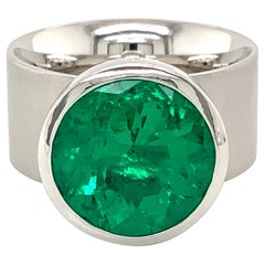 Georg Spreng - Solo Ring Platinum 950 with Colombian Green Emerald round natural