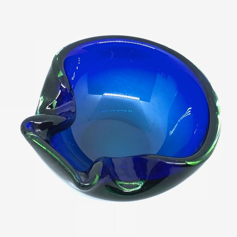 Mid-Century Modern Sommerso Vintage Italian Blue and Green Murano Glass Cigar Ashtray, circa 1970 For Sale