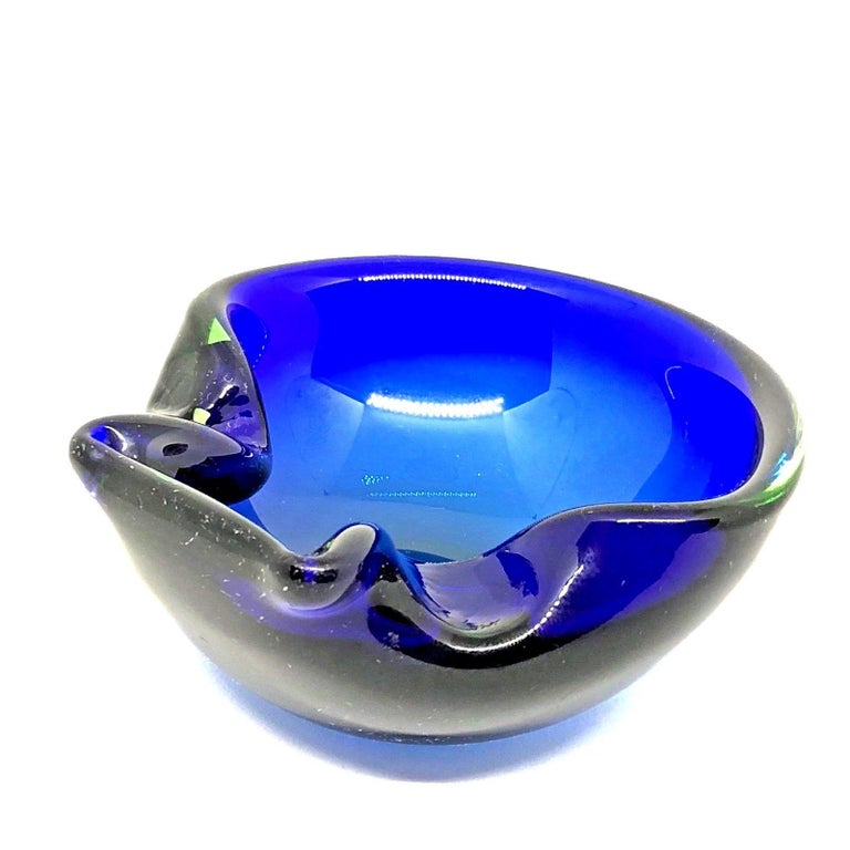 Sommerso Vintage Italian Blue and Green Murano Glass Cigar Ashtray, circa 1970 For Sale