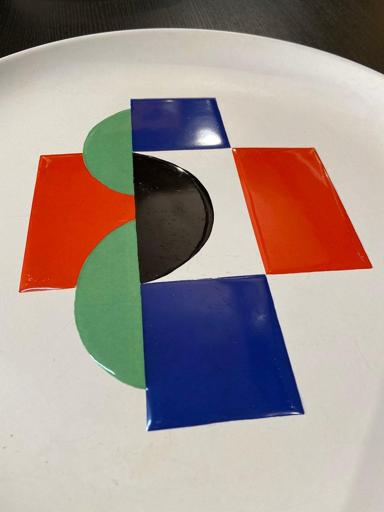 Post-Modern Sonia Delaunay, Set of 6 Plates and 1 Large Plate, circa 1985 For Sale