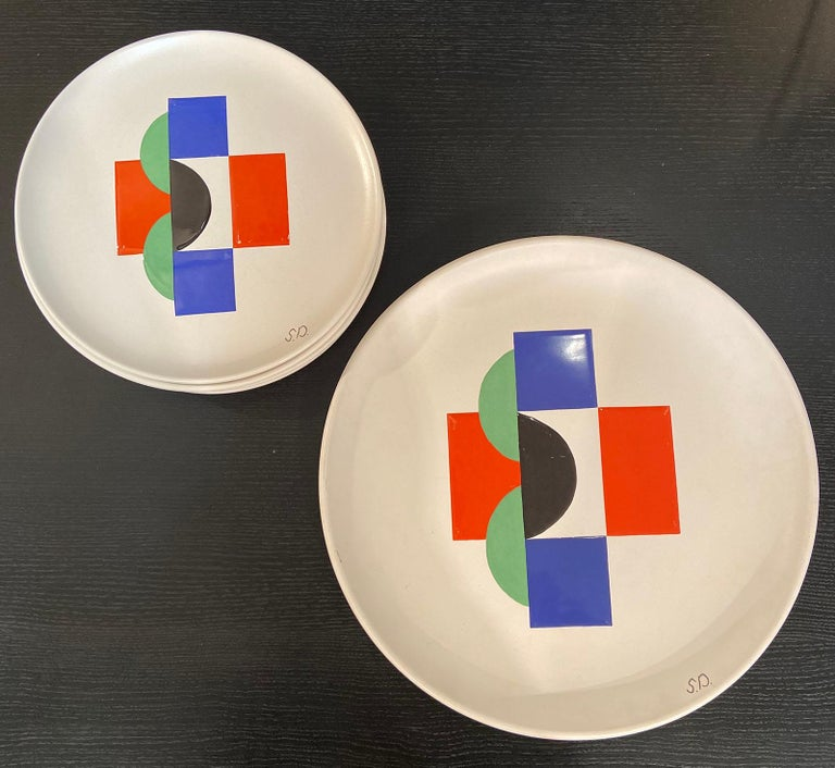 Late 20th Century Sonia Delaunay, Set of 6 Plates and 1 Large Plate, circa 1985 For Sale