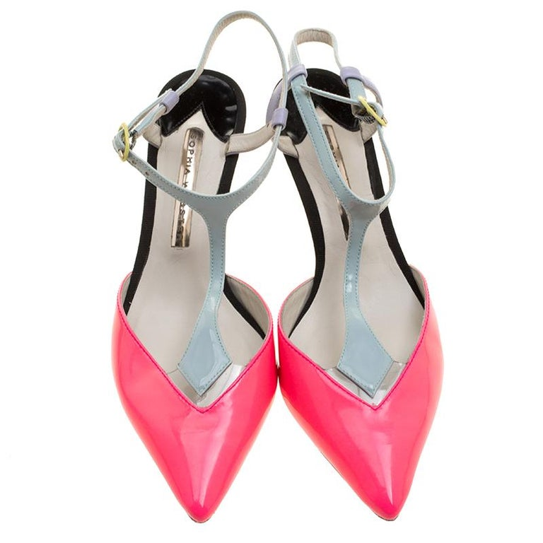 Sensuous and fashionable, these pointed toe sandals with stiletto heels and back sling belt from Sophia Webster makes the best fashion statement when worn with a party dress. Be it a late night party or a hi-tea event, you would definitely steal the