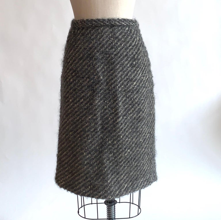 Sophie of Saks Sophie Gimbel Grey 1960s Skirt Suit in Grey and White Fuzzy Weave For Sale 5