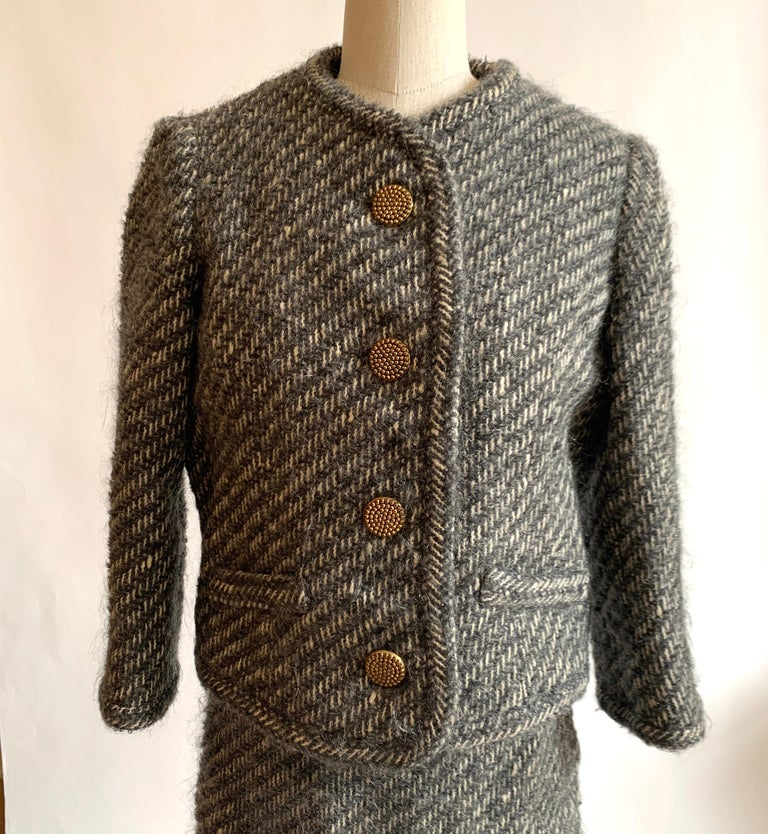 Sophie of Saks Sophie Gimbel Grey 1960s Skirt Suit in Grey and White Fuzzy Weave In Good Condition For Sale In San Francisco, CA