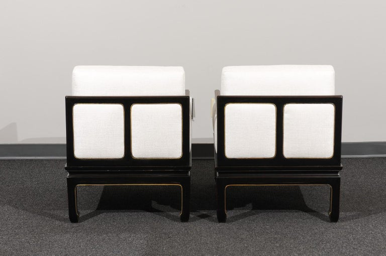 Sophisticated Restored Pair of Lounge Chairs by Baker Furniture, circa 1960 For Sale 3