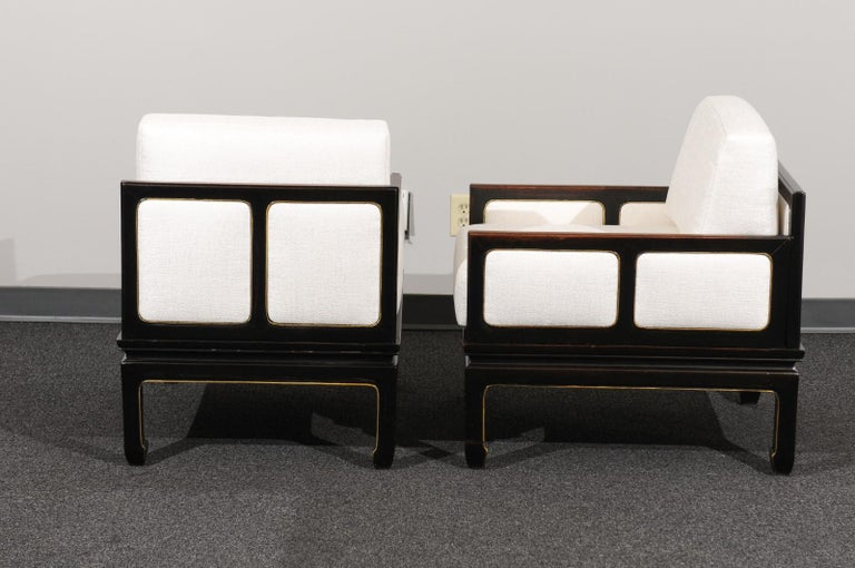 Sophisticated Restored Pair of Lounge Chairs by Baker Furniture, circa 1960 For Sale 4