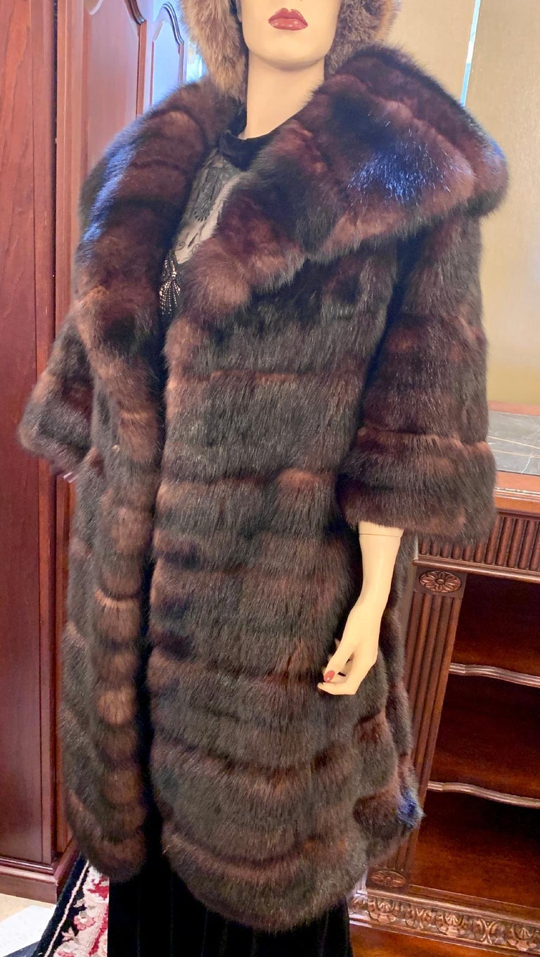 Sophisticated Russian Sable Mid Length Fur Coat with 3/4 Length Sleeves For Sale 11
