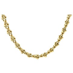 Sophisticated Tiffany & Co. 18 Karat Gold Twisted Link Collar Necklace