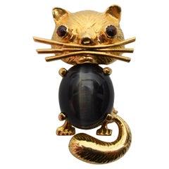 Soret Yellow Gold Cat's Eye Quartz Brooch
