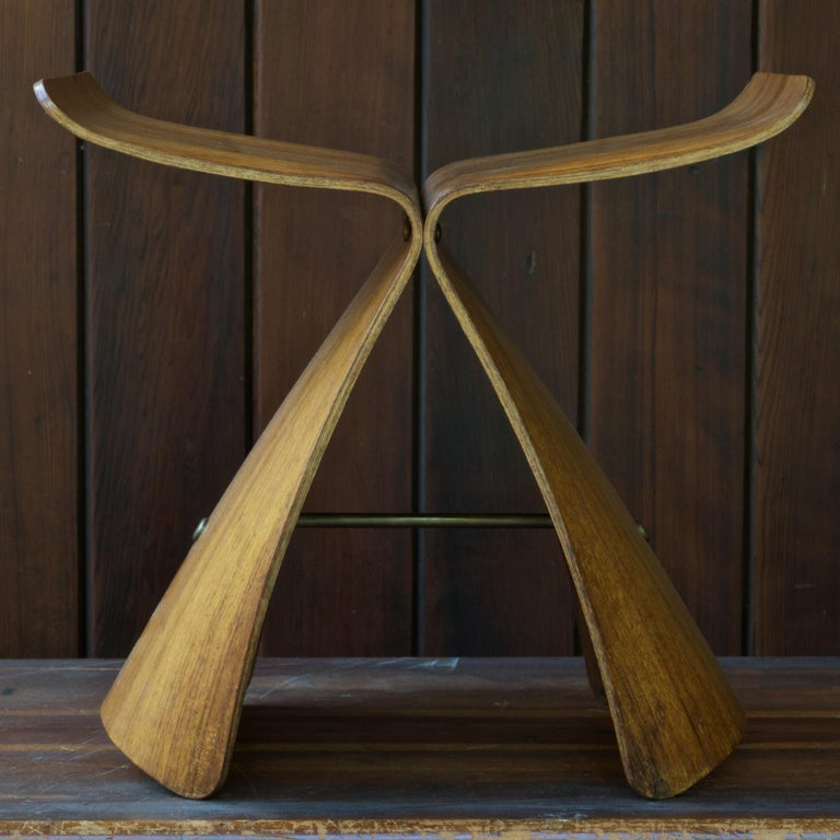 Sori Yanagi Rosewood Butterfly Stool Japanese Midcentury Architect Design In Distressed Condition For Sale In Washington, DC