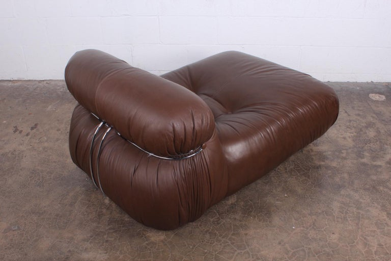 A Soriana chaise lounge in leather. Designed by Tobia and Afra Scarpa for Cassina.