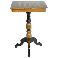 Sorrentino Table Late 19th Century in Walnut and Fruit Wood with Chessboard
