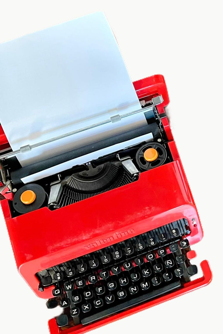 Sottsass for Olivetti Valentine Typewriter For Sale 2