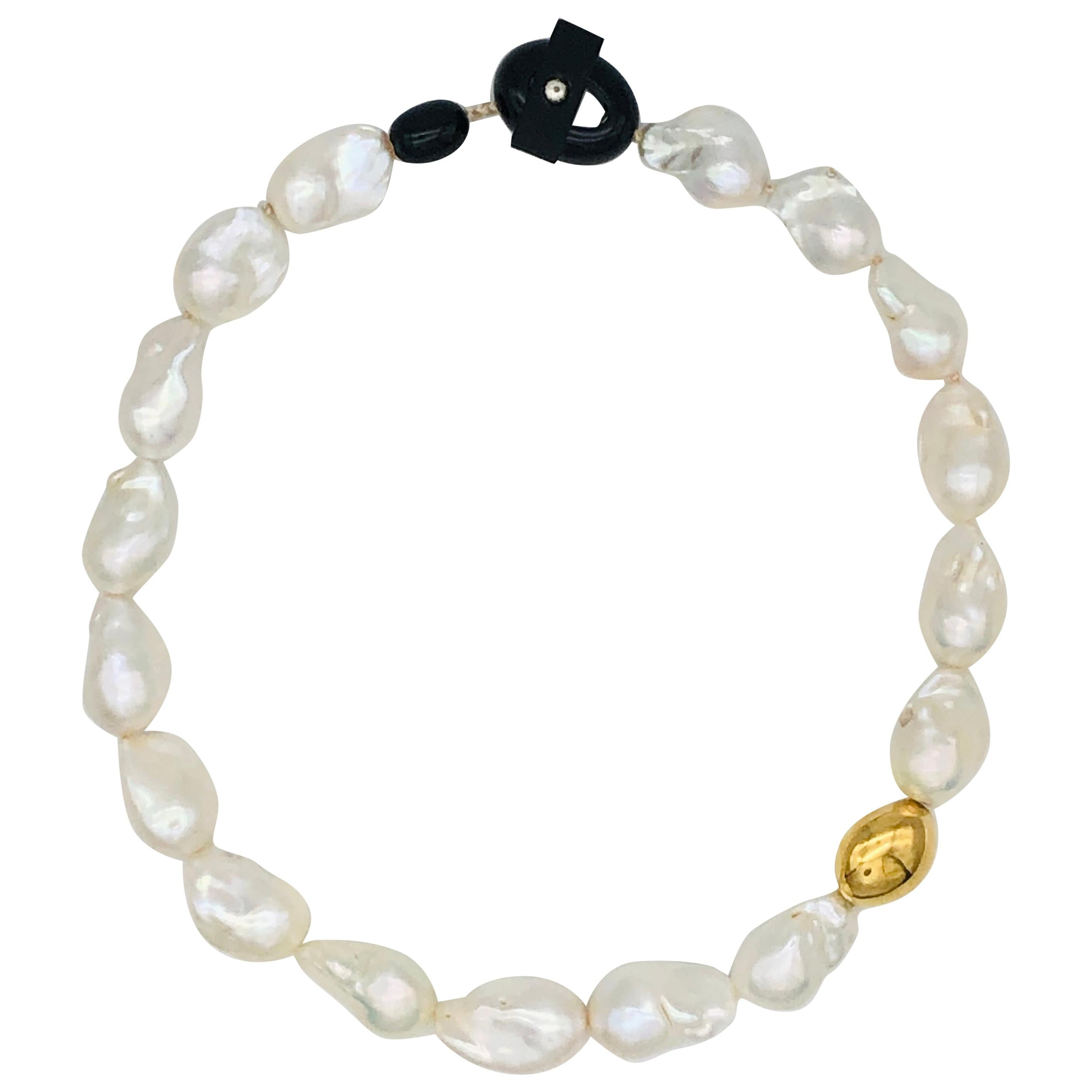 South Sea Baroque Pearls Necklaces with Yellow Gold with Bakelite Clasp