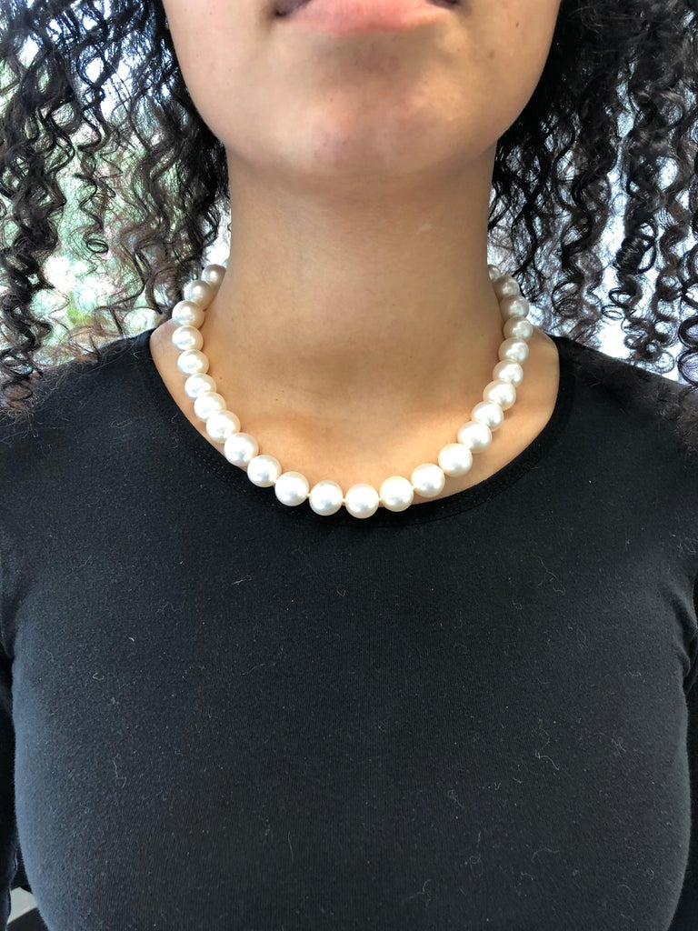 South Sea Cultured Pearl Necklace with Clasp in 18 Karat White and Rose Gold For Sale 1