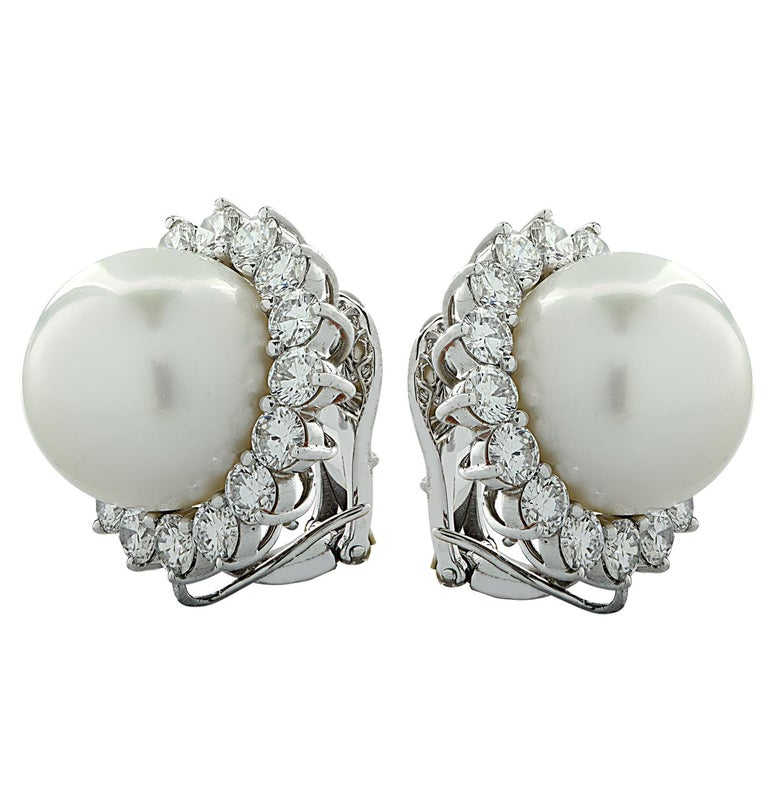 South Sea Pearl and Diamond Earrings In Excellent Condition For Sale In Miami, FL