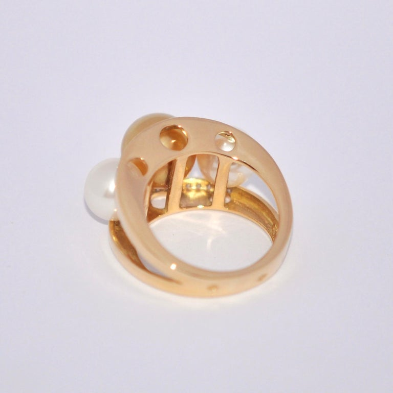 South Sea Pearl and White Diamonds on Yellow Gold 18 Karat Fashion Ring In New Condition For Sale In Vannes, FR