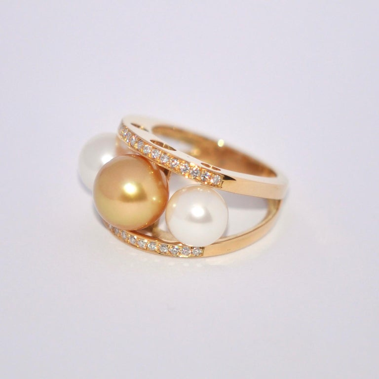 Women's South Sea Pearl and White Diamonds on Yellow Gold 18 Karat Fashion Ring For Sale