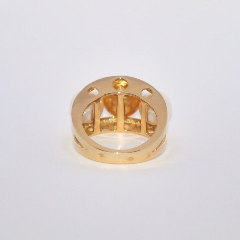 South Sea Pearl and White Diamonds on Yellow Gold 18 Karat Fashion Ring For Sale 1