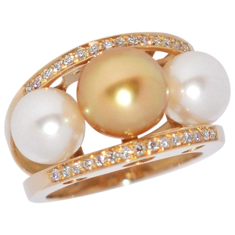 South Sea Pearl and White Diamonds on Yellow Gold 18 Karat Fashion Ring For Sale