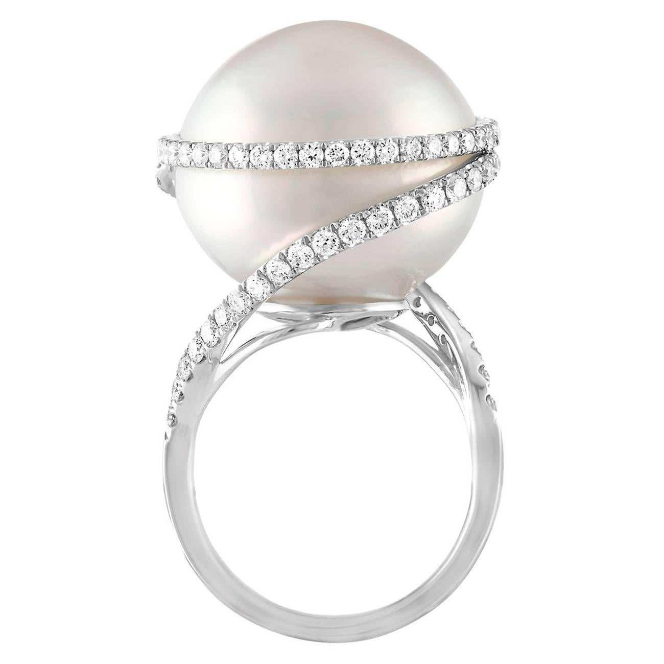 1.16 Carats Diamonds And South Sea Pearl Gold Ring