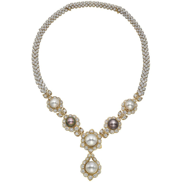 South Sea Pearl & Diamond Jewelry Suite In Good Condition For Sale In Greenwich, CT