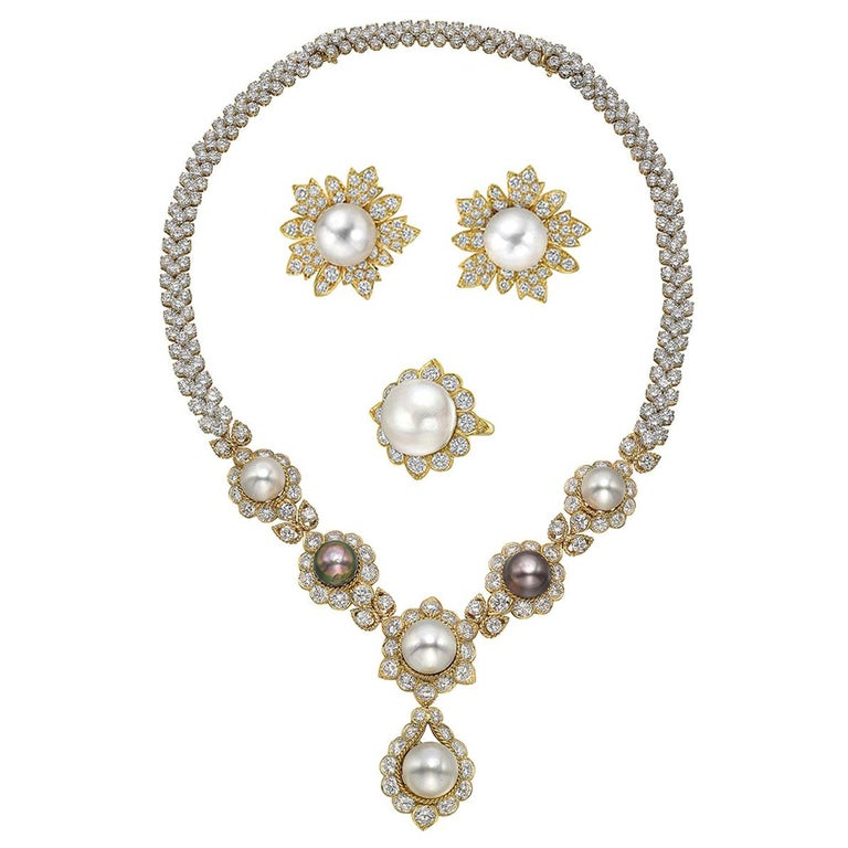 South Sea Pearl & Diamond Jewelry Suite For Sale