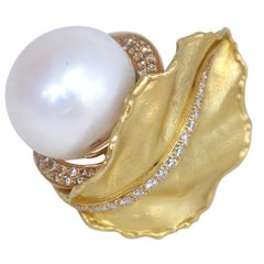 South Sea Pearl Diamonds 18 Karat Yellow Gold Floral Ring