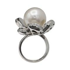 South Sea Pearl Flower Gold Ring 18 Karat White Gold & Diamonds Pearl