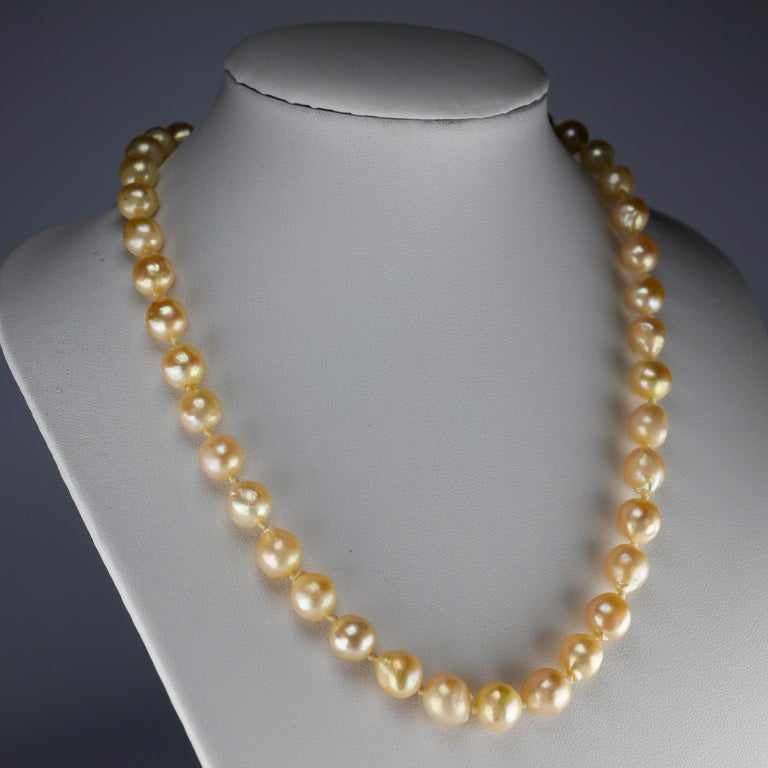 South Sea Pearl Necklace, circa 1960s In Excellent Condition For Sale In Southbury, CT